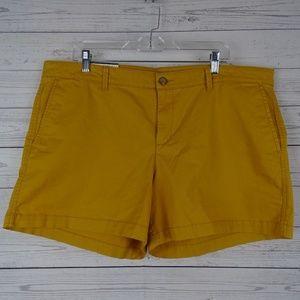 Khakis by Gap mustard girlfriend 5 inch shorts NWT